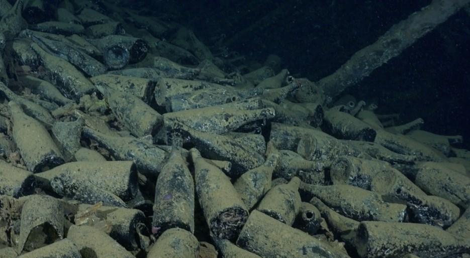 Экспедиция по спасению 100-летнего вина с затонувшего корабля