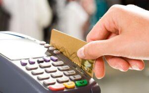 Оплата картами в ресторанах Украины составляет 39%