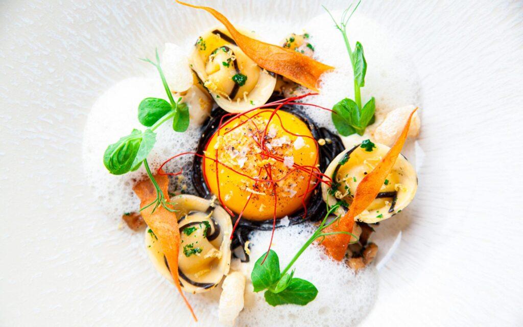Вдохновляющие блюда Le Coin Francais от шеф-повара Даррена Баденхорста