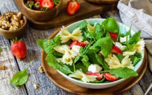Шесть лучших летних салатов с пастой