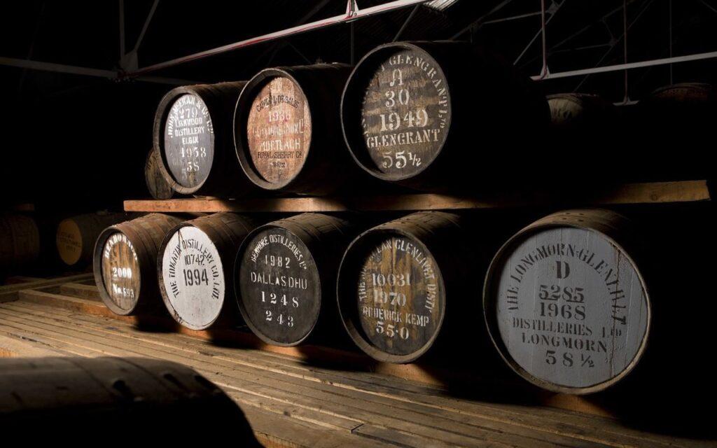 Один из старейших односолодовый виски будет продан с аукциона