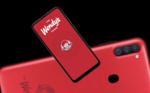 Американская сеть ресторанов выпустит собственный смартфон